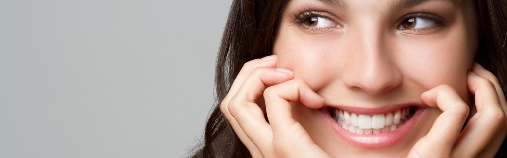 Dental Implants Vs. Dentures | Central Periodontics Canberra